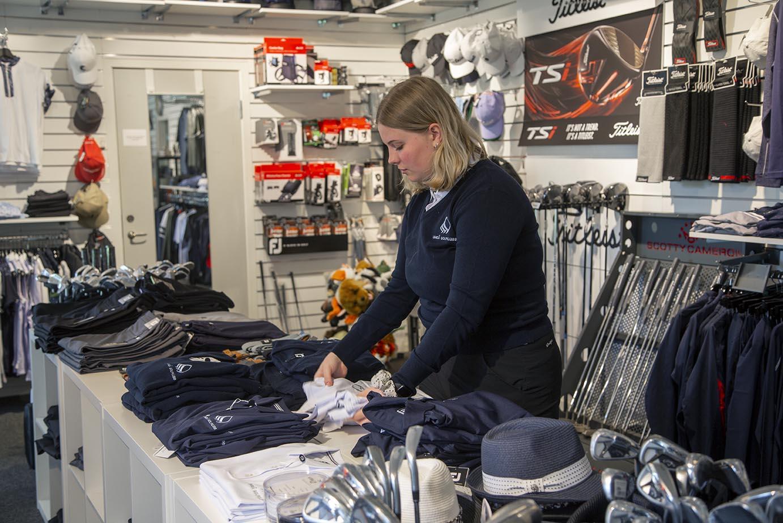 Besök shop och reception på Umeå Golfklubb